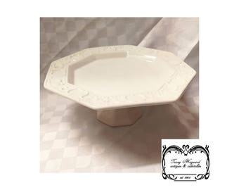 Bun plate/stand, pottery, white, modern, Exc Cond.