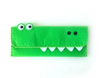 Croc Long Pouch