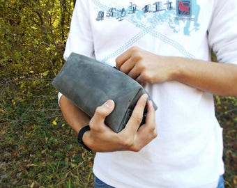 Toiletry bag, Personalized shaving bag, Dopp Kit, Distressted leather, Gray, Groomsmen, Leather pouch, Travel bag, Cosmetic bag, Mens Gift