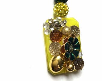 Golden necklace with Jewel Pendant