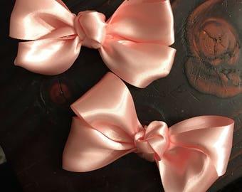 "Set of Pink Piggies 5"" Pigtail Bows"