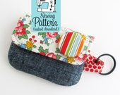 Keychain Clutch Mini Wallet PDF Sewing Pattern | Sew a mini pouch to use as a small wallet, card case, or storage for gift and reward cards.