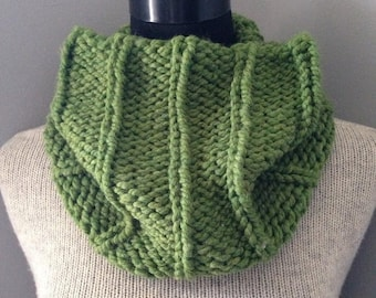 SALE Green Cowl  Chunky Neck Warmer Ribbed Cowl Greenery