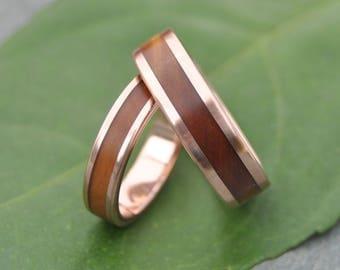 Rose Gold Wood Ring Lados Guayacán - ecofriendly wood wedding band, 14k recycled rose gold and wood wedding ring, mens red gold wood ring