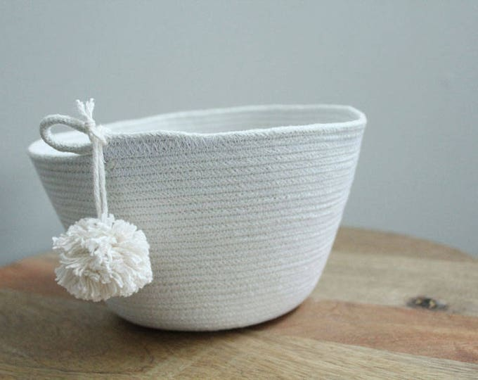 Basket rope coil pompom thread natural bin storage organizer bowl by PETUNIAS