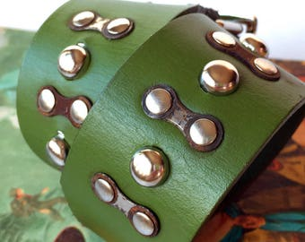 Green Leather Dog Collar with Rustic Bike Chain Links and Studs, Size S/M, to fit a 12-16in Neck, Small to Medium Dog, EcoFriendly, OOAK