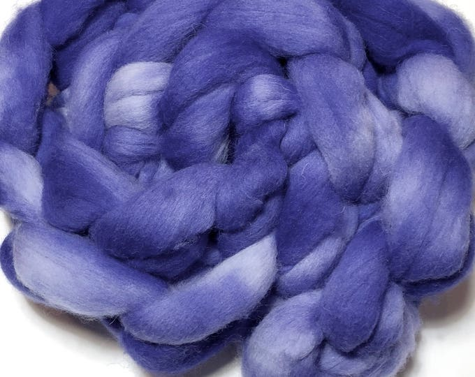 Kettle Dyed Cheviot Wool top. Roving.  Spin or felt. Soft and easy to work with. Practically spins itself. Periwinkle