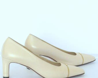 St. John Womens Beige Leather Pumps  SZ 8 B Shoes Made in Italy Light Wear