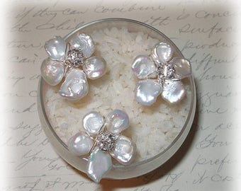 15% OFF Keishi Pearl Flower Hairpins