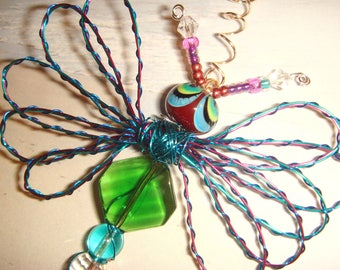 "My #9037 Beautiful! Bug-Eyed Green Alien Fluttering Dragonfly!..Pretty LW Bead - Ornament/new apartment! home decor!Size 3""Wx4""L"