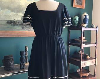 Vintage Miss Elliette California Black dress with white trim L