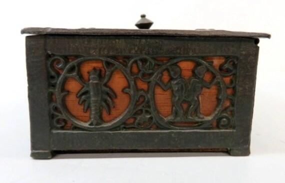 1920s Oscar Bach Bronze Zodiac Box
