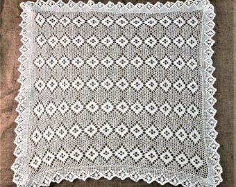 Vintage Lace Tablecloth White Hand Crocheted Square Table Cloth Tea Cloth Antique Table Linens Cottage Chic Decor Crochet Vintage Linens