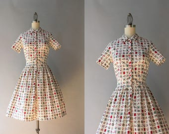 1950s Dress / Vintage 50s Dress / 1950s Crisp Cotton Pleated Day Dress with Novelty Print XS extra small