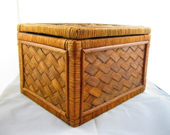 Wooden woven hinged box