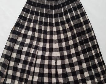Vintage 1980s Wool Blend Pleated High Waist Modest Skirt Black Off White Plaid XSmall Small