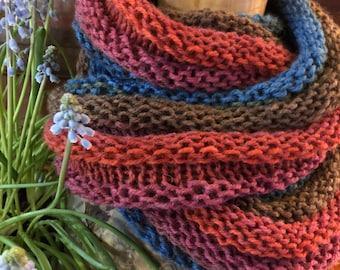 Hand knit scarf with Möbius twist