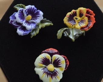 On sale Colorful Vintage  Pansy Floral Button Holders (3) Plastic (O1)