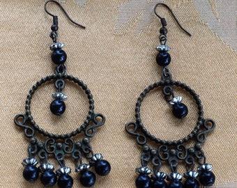 ON SALE Faux Onyx Chandelier Pierced Earrings, Darkened Metal, Silver tone, Vintage (U17)