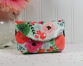 Mini Snap Pouch- Business Card Pouch - Coin Purse - Gift Card Pouch .. On Trend Floral in Mintnt
