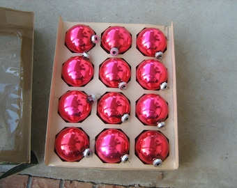 "12 vintage 1950s shiny brite american made glass christmas tree ornaments in original box measure 2-1/2"" across"