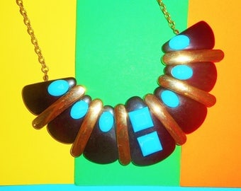 Quirky Cleo Necklace