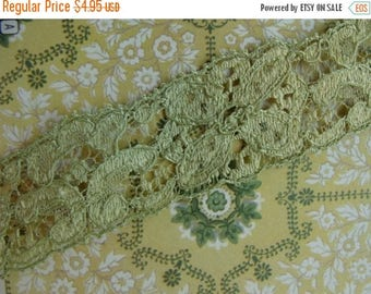 ONSALE 2 yards of Soft Antique Green Luxurious 1930s Vintage Lace Trim