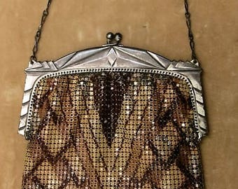 A Whiting and Davis Art Deco Evening Bag in Shades of Mocha