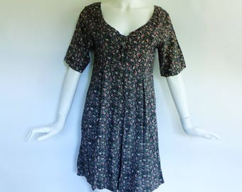 80s / 90s Rayon Romper Dark Ditsy Floral Lace Up Bodice Culottes S