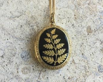 Victorian mourning locket, memento mori locket, vintage oval locket, vintage gold jewellery, black and gold necklace