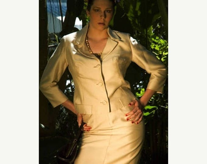 sale Vintage Suit, 1950s Suit,Gold Suit, Pencil Skirt, Jackie O Suit, Sexy Suit, Wiggle Skirt, Pencil SKirt, Pin Up Suit, Mother of the Brid