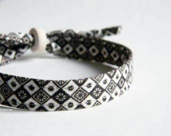 Men bracelet. Adjustable. Fabric and ceramic bracelet. Made in Italy. Brown and ivory.