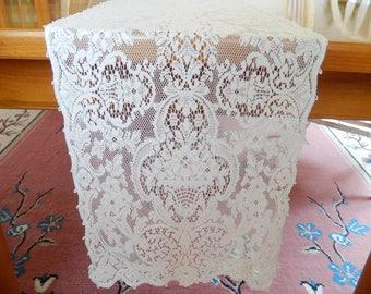 vintage quaker lace runner, ivory color, vintage linens, table linens, home decor