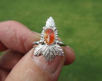 BLOSSOMING BEAUTY from BAJA - Sterling Silver Leafed Leaves Mexican Fire Jelly Opal Ring - Size 7 - Free Resizing