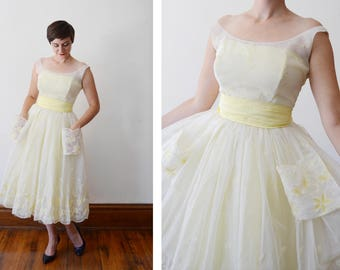 1950s White and Yellow Embroidered Dress - S