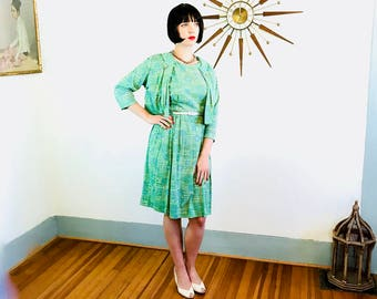 1950s Dress & Jacket Set, Novelty Print dress, 50s Full Skirt, Ladies Two Piece, Vintage 1950s Dress, Green Atomic Retro, Plus Size 14 16