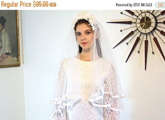 SALE 50% OFF Vintage 60s Wedding Veil MAD Men White Tulle Double Netting Satin Trim Medium Long lace flower Head Band 1960s Floral Bridal Ve