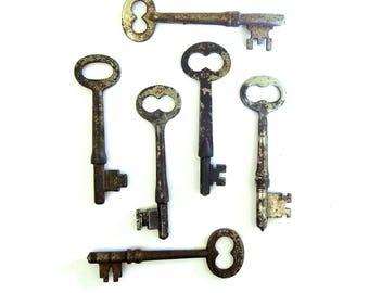 6 vintage skeleton keys Old skeleton keys Skelton keys Wedding keys Collection of keys Vintage keys Rustic keys Bridesmaid gifts Old Bit #6T