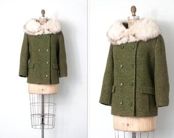 vintage 1960s coat / 60s green wool coat fox fur collar