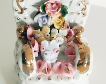 Pig Ring Box, Three Pigs and Flowers Trinket Box, Pigs on a Chair Lidded Box, Cute Piggy Treasure Keeper, Pig Collectible, Pig Figurine