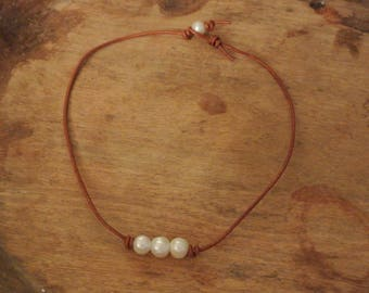 Sienna Freshwater Pearl Leather Necklace / Elegant Freshwater Pearls / Boho Chic Necklace