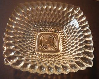 Indiana Diamond Pattern Square Serving Bowl Depression glass - EAPG Mid Century 1940s -  Decorated Pressed Glass - 6.5 inch bowl candy dish