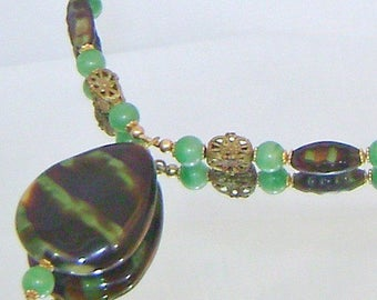 SALE Vintage Art Glass Necklace. Jade Green and Brown Art Glass Vintage Necklace