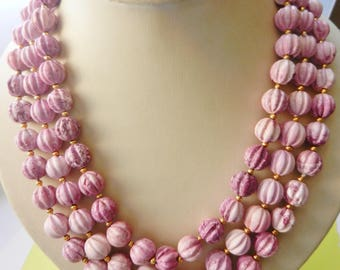 Three-strands graduated Corrugated  Beads necklace in vibrant pink nuances  - fantastic  textures & shapes in a passionate pink-Art.28/4