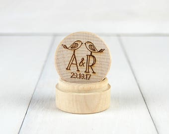 Personalised Wooden Ring Box - Wedding ~ engagement ~ Custom made with the names and date of your choice - Birds - Initials and date