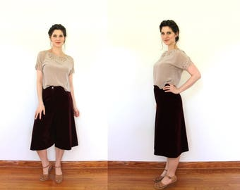 1970s Culottes / 70s Gauchos / 1970s Maroon Stretchy Velveteen Velvet High Waisted Culottes