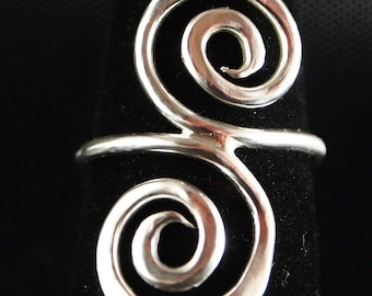 Sterling Silver Scroll ring Size 6