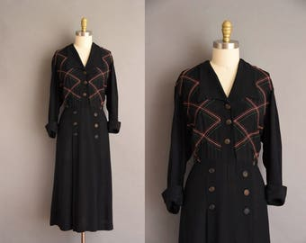 1940s plus size vintage rayon dress. vintage 40s dress