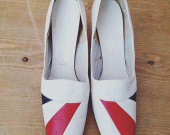 Awesome Vintage 1960s Red White and Blue Monthomery Ward Mod Heels Shoes