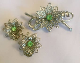 Vintage Antique Silver Tone Filigree Rhinestone Jewelry Set Earrings Ear Clips Brooch Pin Lacy Metalwork 1960s Floral Daisy Bridal Wedding